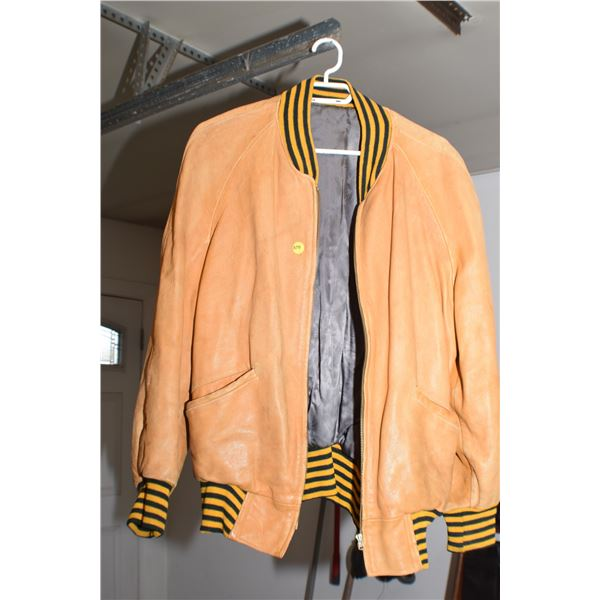 Vintage leather Jacket (cool look)