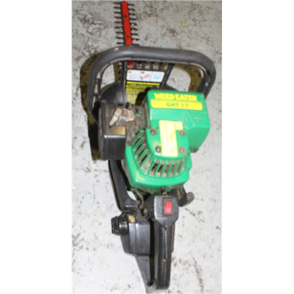 WEED EATER TRIMMER - GAS POWERED