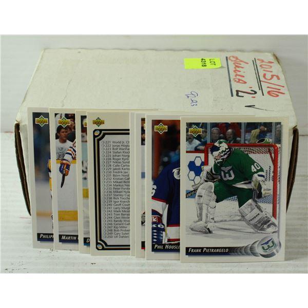 UPPER DECK 1992-1993 HOCKEY CARDS.