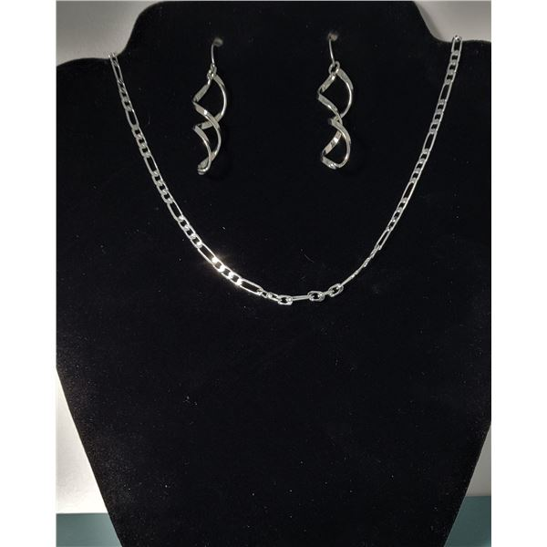 """7) 20"""" SILVERPLATED FIGARO CHAIN AND"""