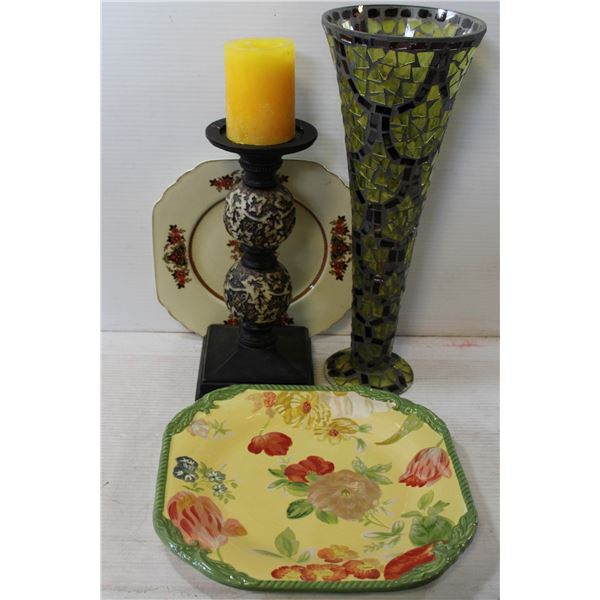 2 PLATES CANDLE HOLDER AND VASE