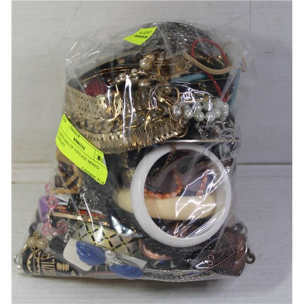 LARGE BAG OF VINTAGE MIXED JEWELRY