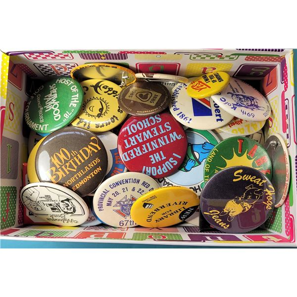 18) 50 ASSORTED BUTTONS