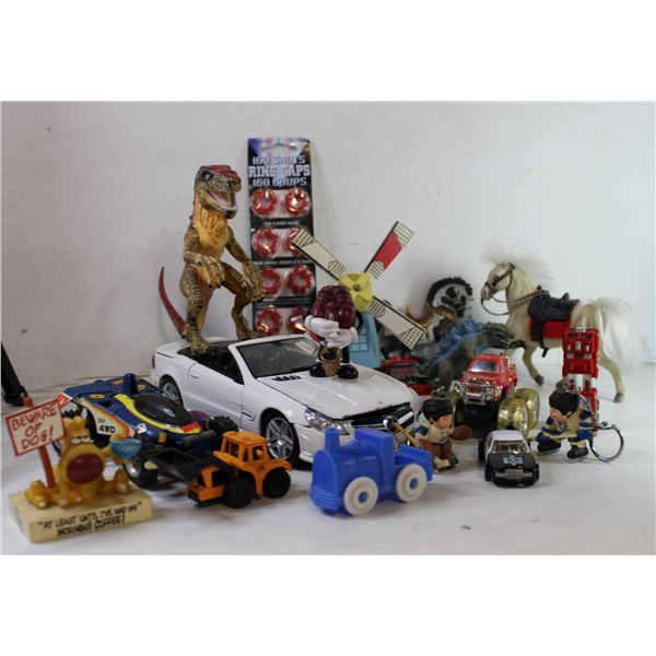 SELECTION OF VINTAGE TOYS.