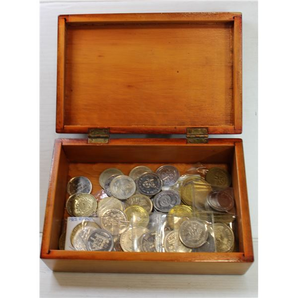 VINTAGE WOODEN BOX W/ TOKENS 1960'S+