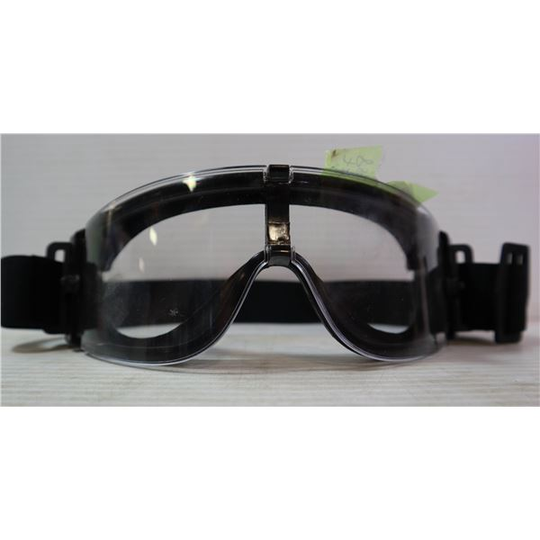 PAIR OF CLEAR PROTECTIVE GOGGLES
