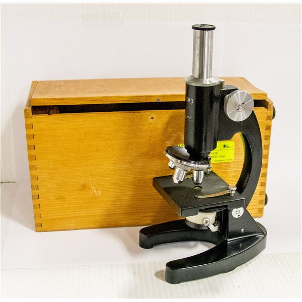VINTAGE MARIMO JUNIOR MICROSCOPE IN LEATHER CASE