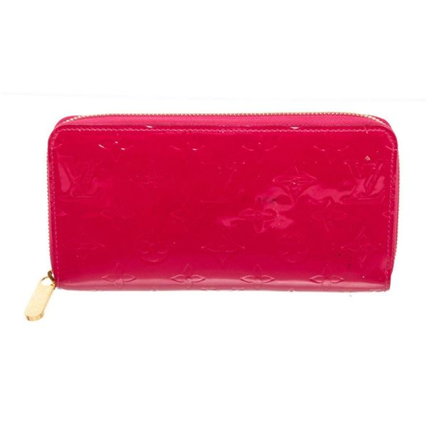 Louis Vuitton Red Vernis Leather Zippy Wallet