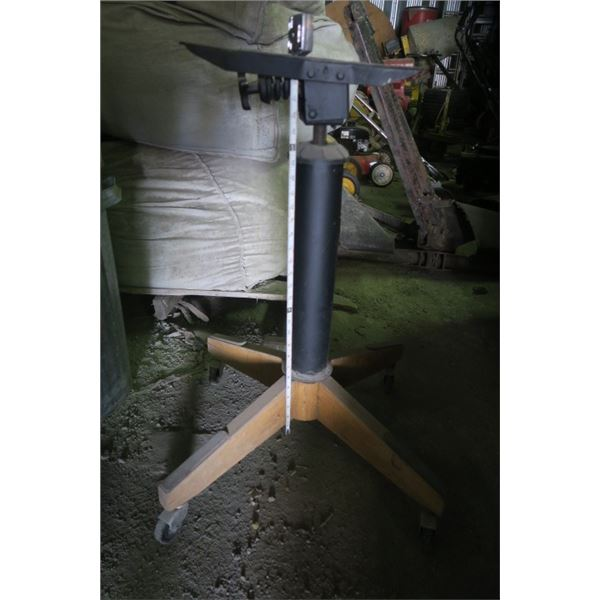 Roller Tool Stand Aprox. 3 Feet Tall