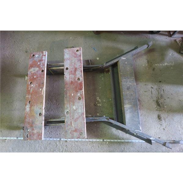 Folding Saw Horse / Work Bench