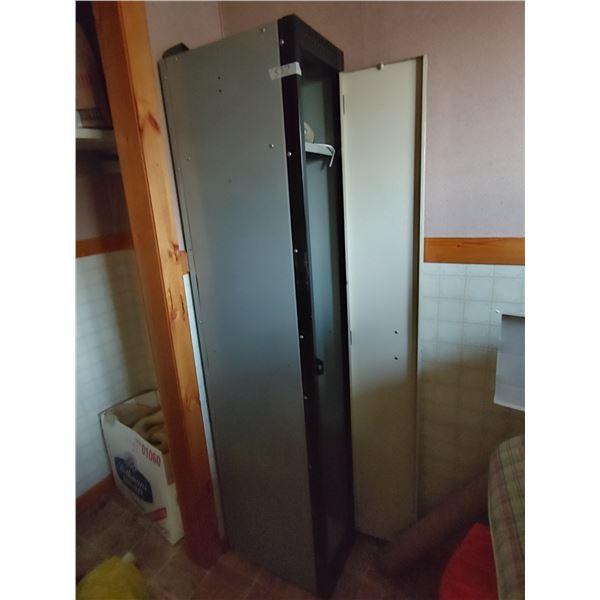 Locker 18X13X72