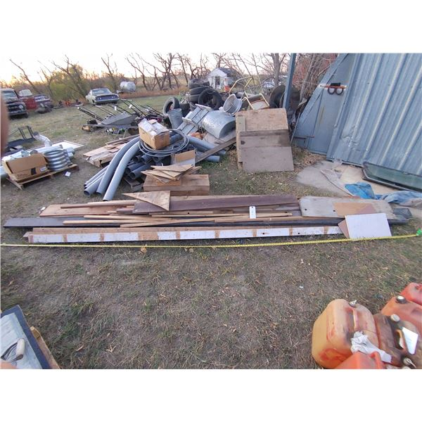 Misc. pile of Lumber, Lots of Good Pieces
