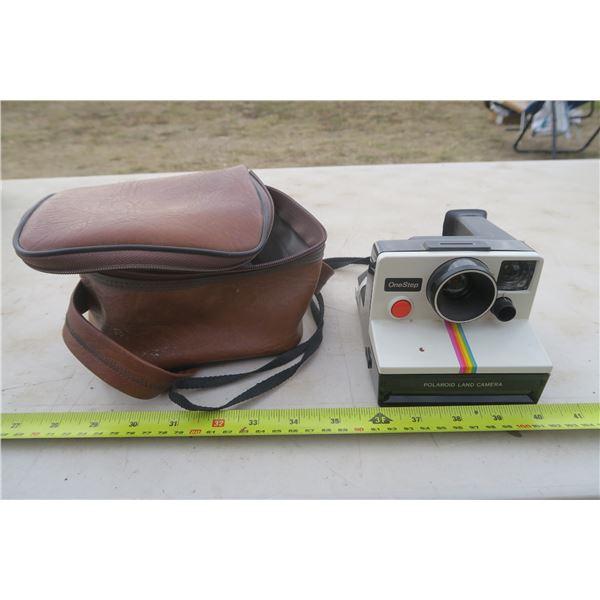 Polaroid Land Camera In a Case (Case has Broken Zipper)