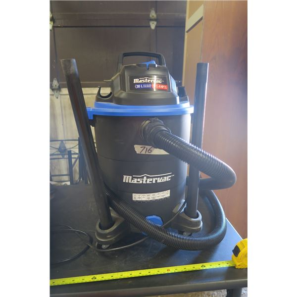 Mastervac 8 Gal. 4HP Vacuum