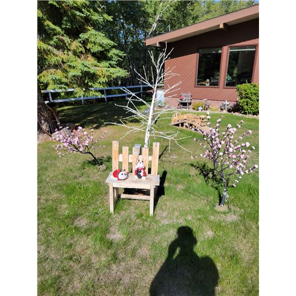 Wooden Bench - Lady Bugs - Lightup Trees x3