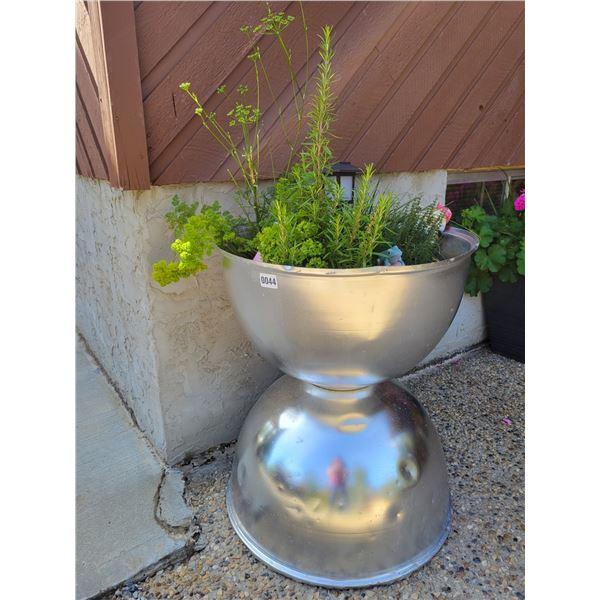 Unique Potter with Plants & Decoration.