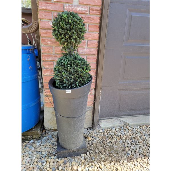 2 Decorative Artificial Planters