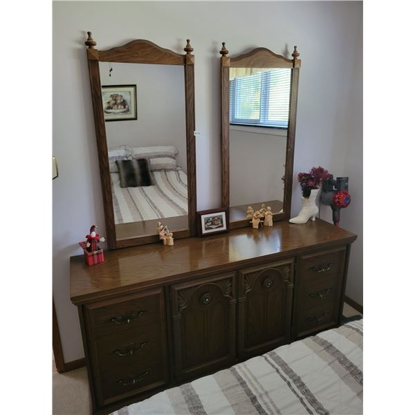 Double Mirror Dresser & D'cor