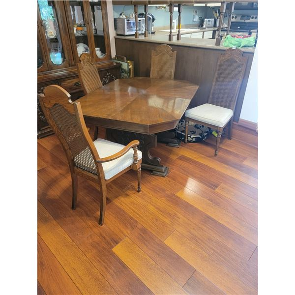 6 Person Dining Set with 2 Sleeves & 6 Chairs