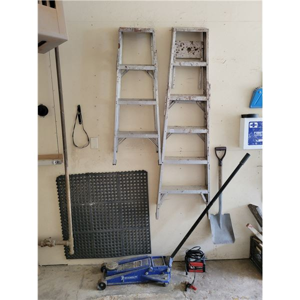 2 Ladders - Jack - B+D Battery Charger & Shovel