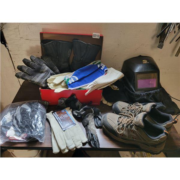 Workload Work Shoes Size 8 - Work Gloves - Welders Helmet
