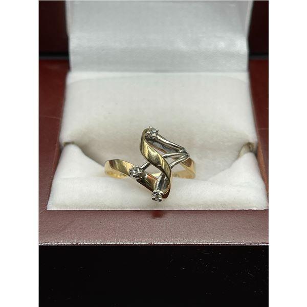 10K 2.8g Diamond Ring