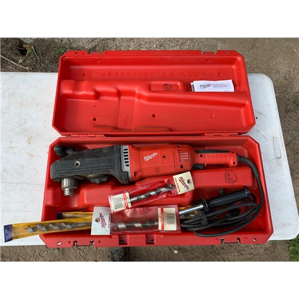 MILWAUKEE 1/2 INCH SUPER HAWG DRILL; MISCELLANEOUS BITS