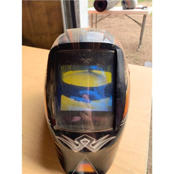 VISON WELDING HELMET; DRAGON FIRE AUTO DARK X-TREME