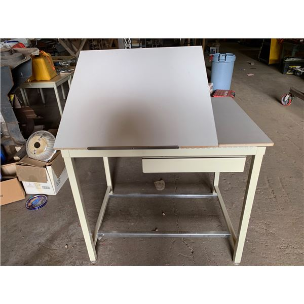 31 INCH X 42.5 INCH DRAFTING TYPE TABLE