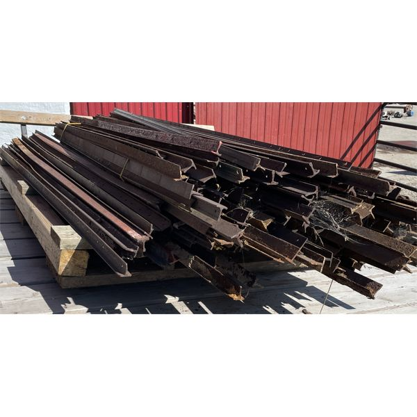 SKID LOT - STEEL STAKES - APPROX 100 +