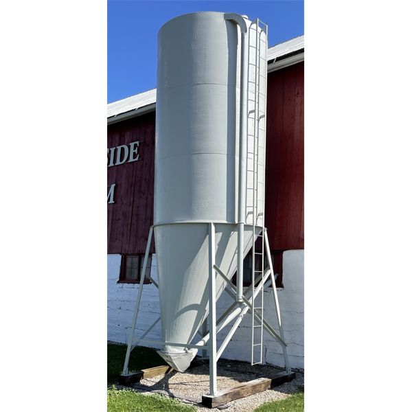 9 TON HOPPER BIN WITH AUGER - PURCHASER REMOVES