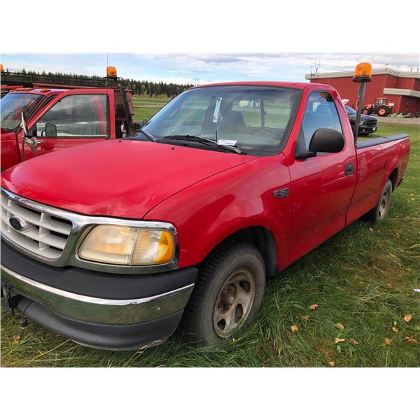 1999 FORD F-150 XL , 2DR, REGULAR CAB PU, RED, VIN#2FTZF1721XCA13037