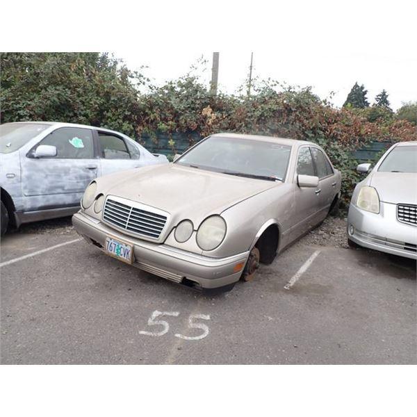 1996 Mercedes-Benz E320