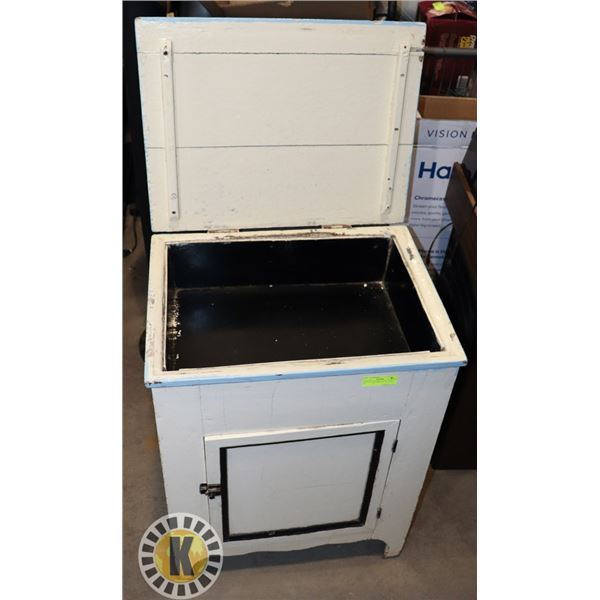 """VINTAGE DRY SINK- 22'' BY 18"""" BY 29"""""""