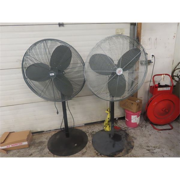 (2) 32'' Osculating Fans - 1 is new