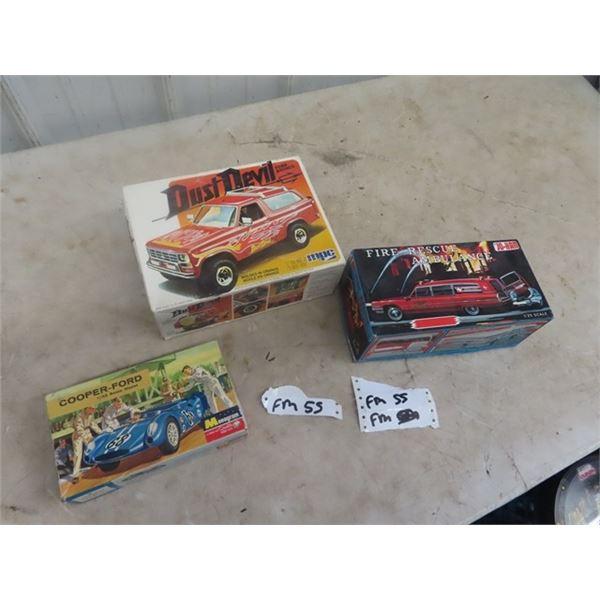 3 Vintage Auto Models
