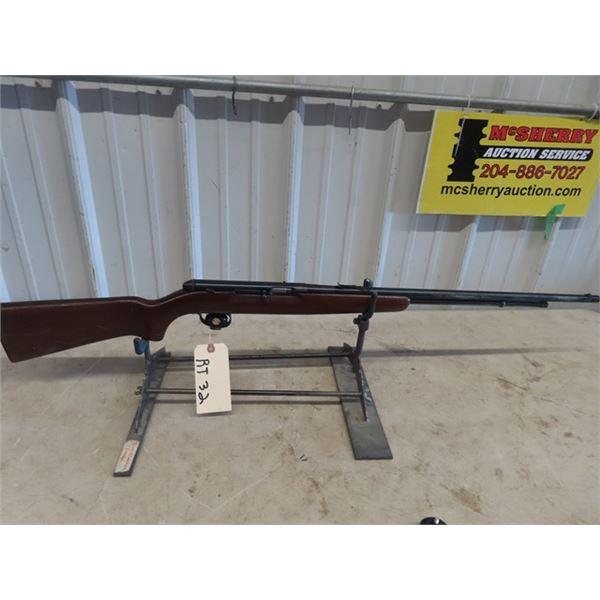 "RT32 Remington 550-1 SA .22 S,L, LR BL=23.5"" Chip on Butt plate, Good Condition"