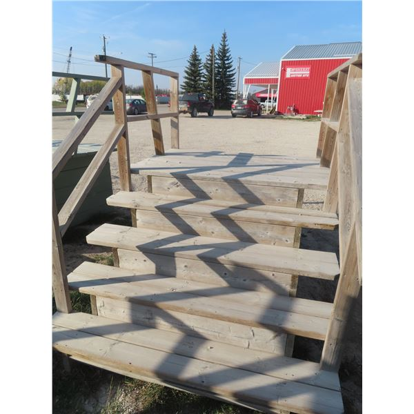 """Wooden 5 Rise Stairs, Platform Height 38"""" 66"""" Width"""