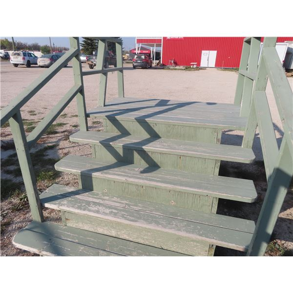"""Wooden 5 Rise Stairs Platform Height 36"""" Width 70"""""""