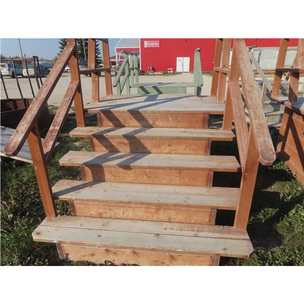 """Wooden 5 Rise Stairs Platform Height 38"""" Width 66"""""""