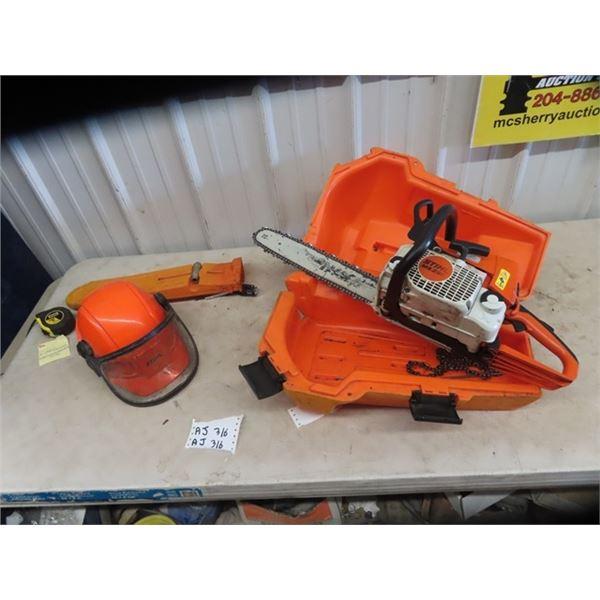 Stihl MS 250 Chain Saw - Working Cond w Case & Safety Ear & Head Wear