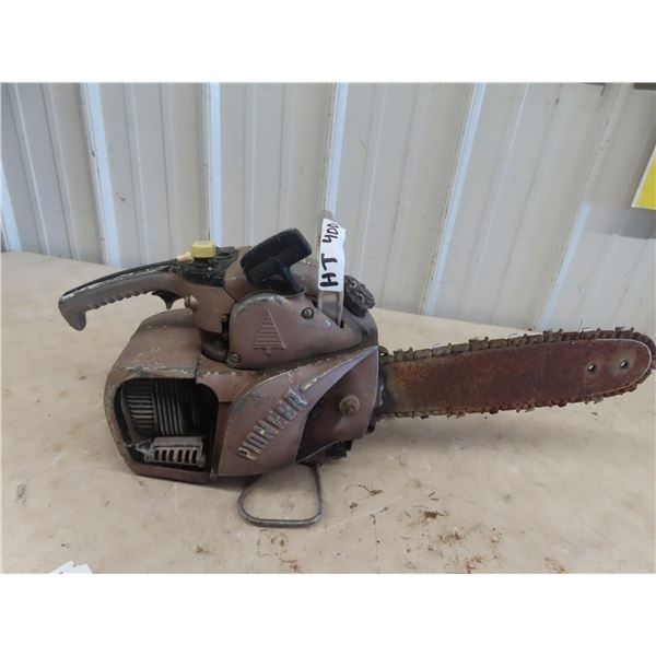 (HT) 1950's Pioneer Chainsaw