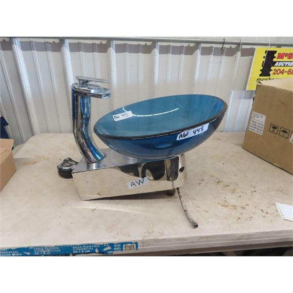 Clearvision Bathroom Sink w Faucet