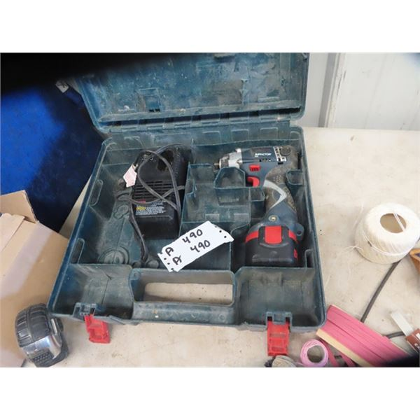Bosch 9.6 Volt Drill w Battery Charger & Case
