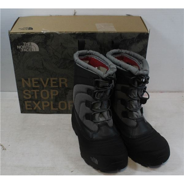 THE NORTH FACE ALPENGLOW IV YOUTH SIZE 4 BOOTS