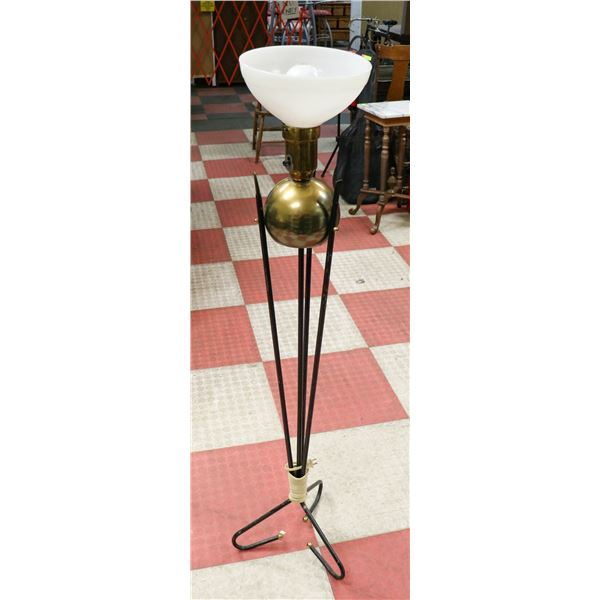 1950S LAMP WITH GLASS SHADE
