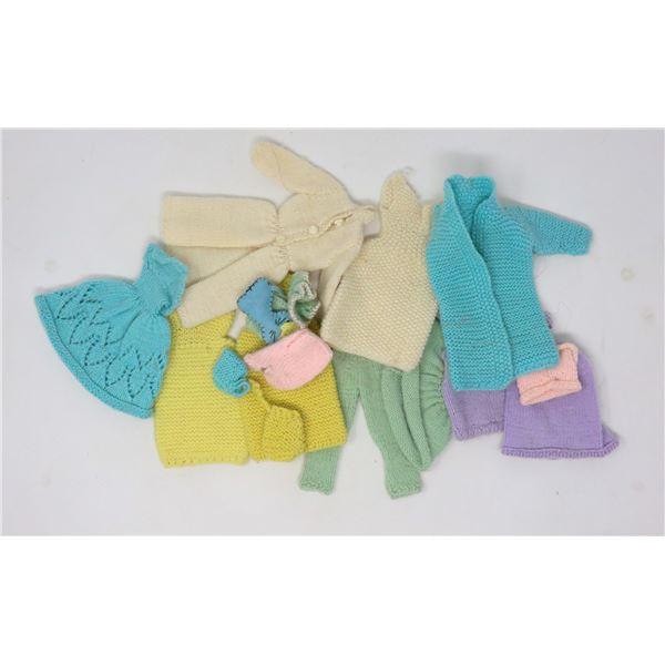 BAG OF ASSORTED VINTAGE BARBIE CLOTHES