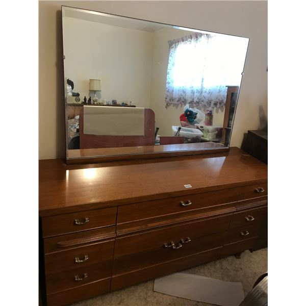 Chest of Drawers & Mirror