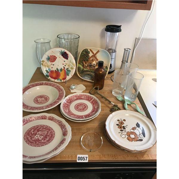 Hamilton Beach Pulsation Mixer, Syracruse China, Vases & Decorative Plates