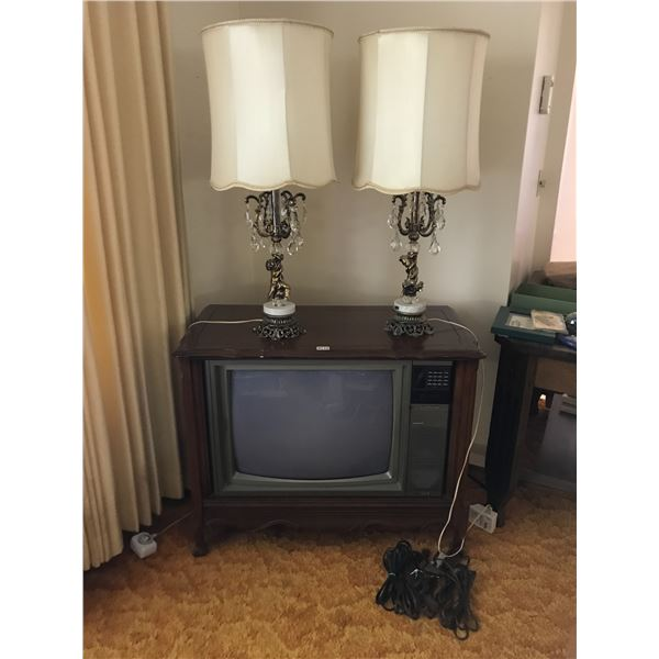 Two Vintage Lamps, Electrahome Cable Mater TV & Extension Cords